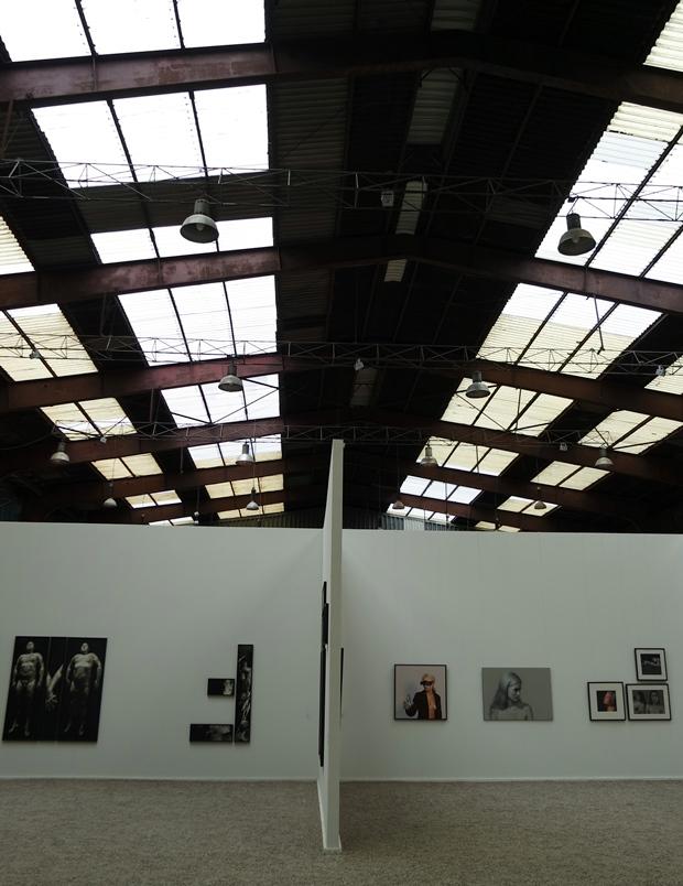 kunstausstellung in fabrik in büdelsdorf / skulpturen