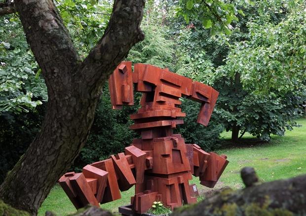 skulpturen im park im Kunstmuseum Büdelsdorf (alle reden von Kunstmuseum, Ausstellung würde besser passen)